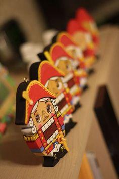Сказочные персонажи ручной работы. Ярмарка Мастеров - ручная работа. Купить Щелкунчик. Handmade. Щелкунчик, комбинированный