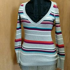 Aeropostale Sweater Super cute sweater like new! Feel free to make an offer!! Aeropostale Sweaters V-Necks