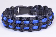 Law Enforcement Style Paracord Survival Bracelet | Paracord tutorials and survival paracord projects at survivallife.com #paracord #diy #preppers