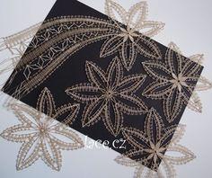 Simple Art, Easy Art, Bobbin Lace, Yarn Crafts, Diy, Inspiration, Lace Jewelry, Christmas Ornaments, Purses