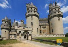 Château de Pierrefonds - Château de Picardie - village de Pierrefonds