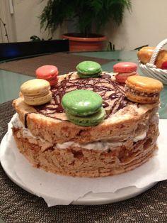 La Bee - Macaron Meringue Cake