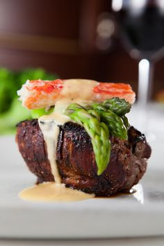 Malone's is proud to be Lexington's Signature Steakhouse since 1998. With three locations in Palomar, Hamburg & Lansdowne, we serve the best steaks in town along with excellent hospitality. #tradition #beef #steaks #perfect #meats #dining #restaurant #lexingtonky #kentucky #filet #dinner
