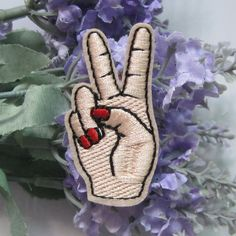 1Pcs Peace Hand Iron On Patch Sewing On Embroidered Applique Sewing Patch  Clothes Stickers Garment DIY 608dff05c341