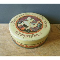 Vintage french tin box BERLINGOTS E.BONNEAU, Boite métal, 1920, Green... ($25) ❤ liked on Polyvore featuring home, home decor, green home accessories and green home decor