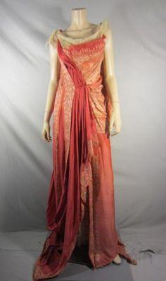 Rome Costume, Rome Fashion, Greek Dress, Roman Dress, Goddess Dress, Fantasy Dress, Classic Outfits, Clothing Patterns, Beautiful Outfits