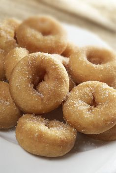 There's No Doubt Sugary Mini Donuts Are My Favorite Minnesota State Fair Food Baked Mini Donuts Recipe, Mini Donut Recipes, Baked Doughnuts, State Fair Mini Donut Recipe, Pan Dulce, Pork Rind Recipes, Broccoli Soup Recipes, Beignets, Mexican Food Recipes
