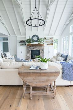 lake house living room photos color schemes for rooms with black furniture 286 best style lakehouse images country homes blue and white decor