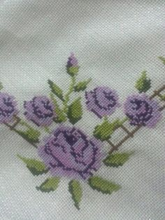 Bargello, Corner Designs, Beaded Flowers, Diy And Crafts, Cross Stitch, Embroidery, Floral, Handmade, Knitting And Crocheting