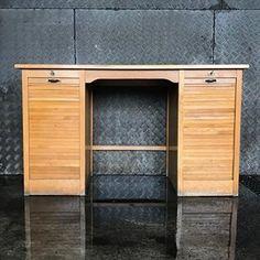 Schreibtisch 165.- #frauflufelberg #desk #schreibtisch #office #wood #antiques #vintagefurniture #vintagemöbel #zurich #wetzikon #uster Office, Vintage Furniture, Instagram, Table Desk, Writing