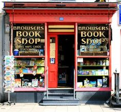 Browsers Bookshop, Porthmadog, Gwynedd. Little Books, Good Books, Books To Read, Beautiful Library, Book Cafe, American Gods, Book Storage, What Book, Shop Around