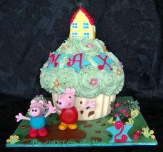 Giant Cupcake - Peppa pig and George pig  splashing in puddle.