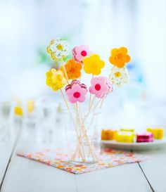 Petites fleurs apéritives de chez #Picard. Pour les présenter en bouquet, utiliser des pics apéritifs.