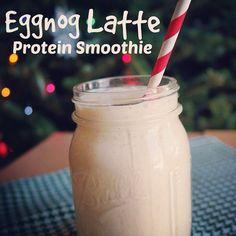 Eggnog Latte Protein smoothie recipe from featuring yogurt! Protein Power, Protein Pack, Protein Smoothie Recipes, Smoothies, Drink Recipes, New Recipes, Carrots N Cake, Pumpkin Smoothie, Vanilla Protein Powder