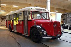 PL> Wiedeńska morda to nie żart. Wiener Schnauze tak nazywa się ten autobus. Więcej o komunikacji w nowym poście.  DE> Wiener Schnauze  #museum #wienerschnauze #muzeum  #österreich #austria #Vienna #Wien #vieden #Dunaj #viyana #Bécs #wiedeń #igersaustria #igersvienna #igerswien #visitvienna #visitaustria #viennablogger #ilovewien #welovevienna #viennaphotowalk #viennacity #viennaaustria