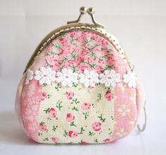 Kiss Lock Frame Women Snap Purses Coin Purse Mini Wallet----Lace Flowers Grass