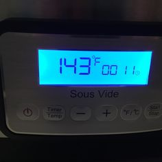almost done with the steaks in my new #sousvide machine !! A precise way of getting exactly what you want from your food through cooking it in low temp water in a vacuum sealed bag ! #future by elkomatt