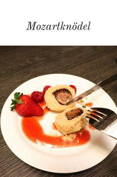 Mozart-Knödel schmecken Groß und Klein. Aus Topfenteig. #mozart #mozartknödel #nougat #nougatknödel #erdbeeren #kinder #kinderrezepte #heimat #österreich #österreichischeküche #salzburg Food Blogs, Salzburg, Pancakes, German, Foodblogger, Breakfast, Desserts, Drinks, Frases