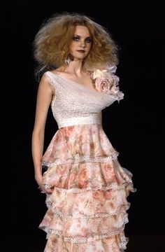 Valentino spring 2004 couture