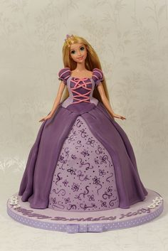 Rapunzel doll cake by Kingfisher Cakes, via Flickr