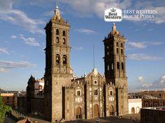 Una ciudad con encanto. EL MEJOR HOTEL EN PUEBLA. En 1987, la capital de nuestro estado fue nombrada Patrimonio de la Humanidad por la UNESCO. En Best Western Hotel Real de Puebla, le invitamos a descubrir por qué nuestra ciudad recibió ese nombramiento, le aseguramos que quedará sorprendido con su sinfín de atractivos. #bestwesternhotelrealdepuebla