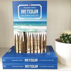 """Wein, Austern und eine Tote am Strand warten auf den neuen Kommissar Luc Verlain an der malerischen Küste Südfrankreichs. Begleitet ihn bei seinem ersten Fall und bewerbt euch für eines von 30 Exemplaren von """"Retour"""", dem Debüt von @alexoetker erschienen bei @hoffmannundcampeverlag - den Link gibts im Profil.  #buchliebe #leserunde #lovelybooks #retour #südfrankreich #krimi"""