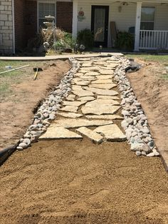 backyard design – Gardening Tips Sidewalk Landscaping, Home Landscaping, Landscaping With Rocks, Front Yard Landscaping, Rock Walkway, Stone Walkway, Patio Design, Garden Design, Flagstone Pathway