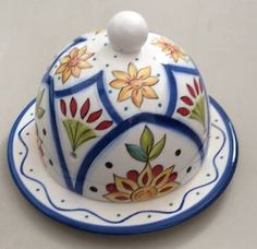 Resultado de imagen para ceramica pintada a mão Hand Painted Pottery, Painted Vases, Pottery Painting, Hand Painted Ceramics, Ceramic Painting, Ceramic Pots, Ceramic Clay, Glazes For Pottery, Ceramic Pottery