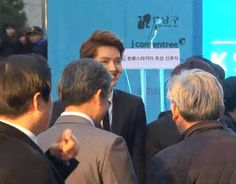 Even the ahjussi's beg for his attention lol