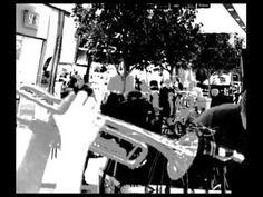 Raf Commercial Agents Part I - live ambient session Raf Commercials Agents 17.01.2013.Galeria Echo Kielce. Live ambient electronic session. Rafał Gęborek - trąbka, Rafał Nowak - instrumenty elektroniczne.  Event został zorganizowany dzięki uprzejmości Magdy Malasińskiej. Wydarzenie na facebooku: https://www.facebook.com/events/50380... https://pl-pl.facebook.com/rafcoxx http://www.youtube.com/rafcoxx