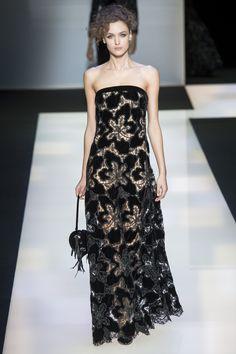 Giorgio Armani Fall 2016 Ready-to-Wear Fashion Show - love the black lace #fashion #style