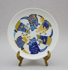 Arabia, lasten matala ruokalautanen, Kengu, Gunvor Olin-Grönqvist Kitchenware, Tableware, Shopping Places, Lassi, Old Antiques, Scandinavian Style, Painting Inspiration, Finland, Glass Art