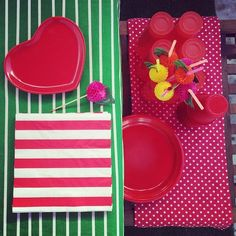 In my place, in my place... <3 #doisigualatres #home #love #ikea #ikeaportugal http://www.doisigualatres.blogspot.pt/2014/08/tres-tigelas-tres-saldos-2.html