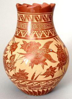 Jemez Pueblo Pottery by Helen Henderson I love this piece Native American Artwork, Native American Pottery, Native American Artists, Native American Indians, Vases, Southwest Pottery, Coil Pots, Potters House, Pueblo Pottery
