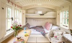 Glamping in Yorkshire, England - Snug Huts at Wolds Edge Glamping Yorkshire, Quirky Places To Stay, Glamping Holidays, Luxury Glamping, Shepherds Hut, Cozy Cottage, Irish Cottage, Tiny House Living, Living Room