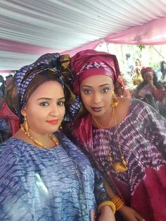 Malian Fashion bazin #Malifashion #bazin #malianwomenarebeautiful… African Attire For Men, African Women, Ghanaian Fashion, African Fashion, Latest African Styles, African Traditions, African Clothes, Grown Women, Ankara Fabric