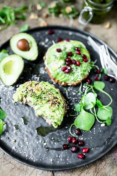 Avocado Cashew Toast