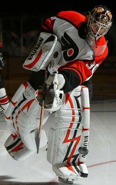 Hockey Games, Ice Hockey, Goalie Mask, Philadelphia Flyers, National Hockey League, Good Ol, Golf Bags, Rugby, Nhl