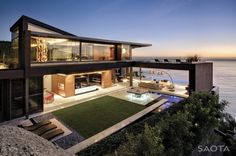 The 'Nettleton 198' located in Clifton, Cape Town, South Africa - Designed by SAOTA (Stefan Antoni Olmesdahl Truen Architects)