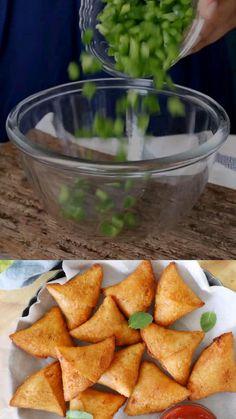 Pasta Recipes Indian, Puri Recipes, Chaat Recipe, Tasty Vegetarian Recipes, Food Videos, Cooking Recipes, Samosas, Buntings, Naan