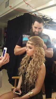 American Idol's Maddie Walker getting ready for her performance in style 'IVY' #pinkpewter