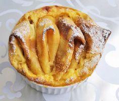 Gebackene Quarkcrepes schmecken besonders lecker, wenn sie mit frischen Beeren gefüllt werden.