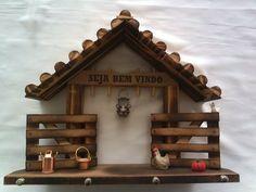Diy Home Crafts, Decor Crafts, Wood Crafts, Home Decor Items, Diy Home Decor, Diy Para A Casa, Photo Wall Clocks, Wooden Key Holder, Restore Wood