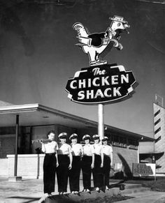 Chicken Shack -=- Original Established in Huntsville, Texas :: YUMMM Vintage Diner, Look Vintage, Vintage Ladies, Old Photos, Vintage Photos, Waco Texas, Huntsville Texas, Texas Usa, Chicken Shack