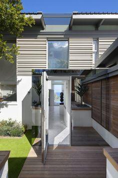 Cape Villa Modern Home in Cape Town, Western Cape, South Africa School Architecture, Architecture Photo, Modern Architecture, Indoor Outdoor Living, Outdoor Spaces, Villas, Coastal Homes, Pool Designs, Luxury Villa