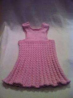 63 kiitosta -blogista: Maanantaina 3.12.2012 sain valmiiksi neulemekon siskon tytölle lahjaksi ristiäisiin