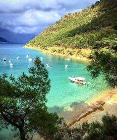 Mayıs'ta Adrasan taraflarında Likya Yolu yürüyüşleri yapıyorsanız, böyle manzaralara alışıksınız demektir☺️ www.kucukoteller.com.tr/adrasan-otelleri.html  Antalya - Adrasan  @meteerc