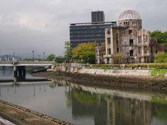 原爆ドーム (Atomic Bomb Dome) in 広島市, 広島県 かなしかったが、とても面白いよ。