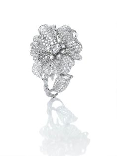 Anna Hu Jewelry    Duchess Hibiscus Ring.  Gwyneth Paltrow wears ANNA HU HAUTE JOAILLERIE to OSCARS