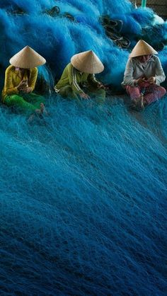 Vietna -,Knitting fisning nets